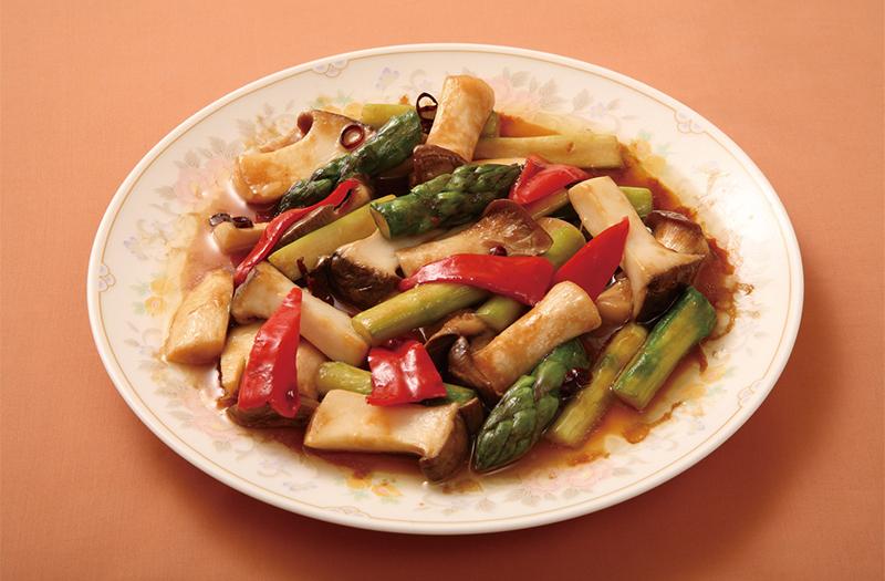 エリンギとアスパラの辛子炒め(醤油味)