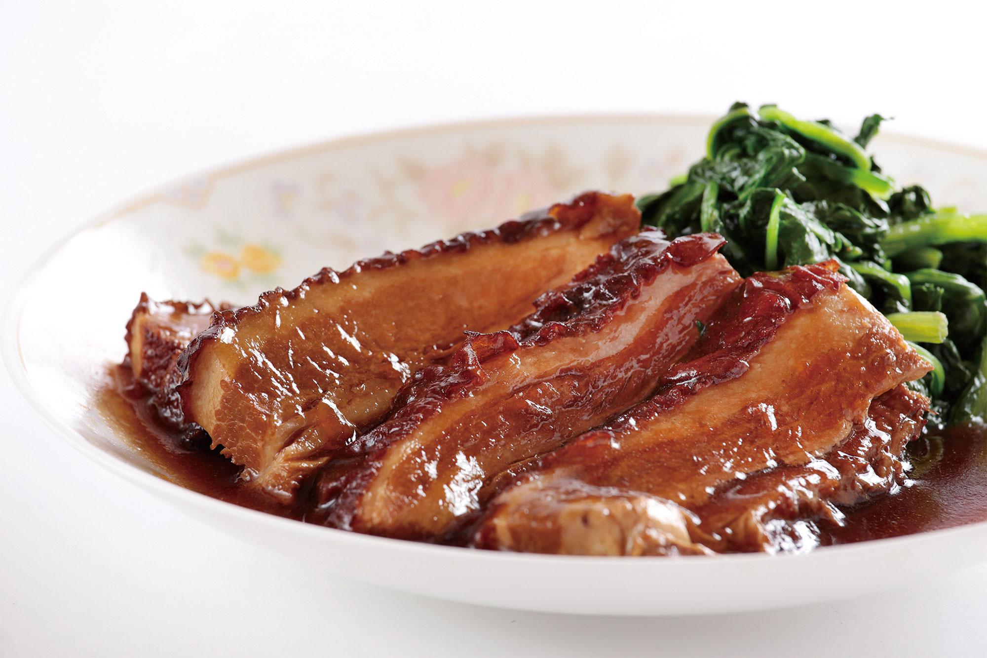 グランドメニュー / 豚バラ肉の醤油煮込み、青菜添え